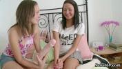 Video sex hot ZWEI JUNGE TEENS machen erste LESBISCHE ERFAHRUNGEN fastest